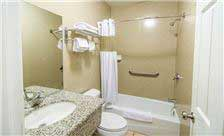 Carlton Motor Lodge - Bathroom