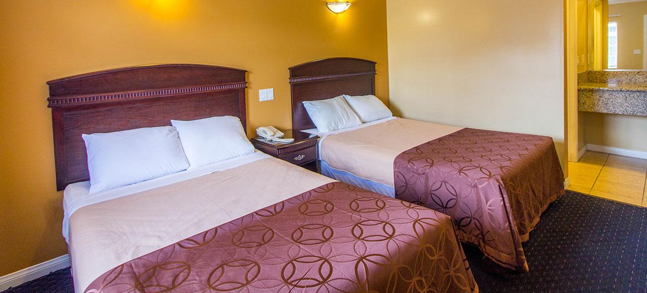 Rooms at Carlton Motor Lodge Studio City, California